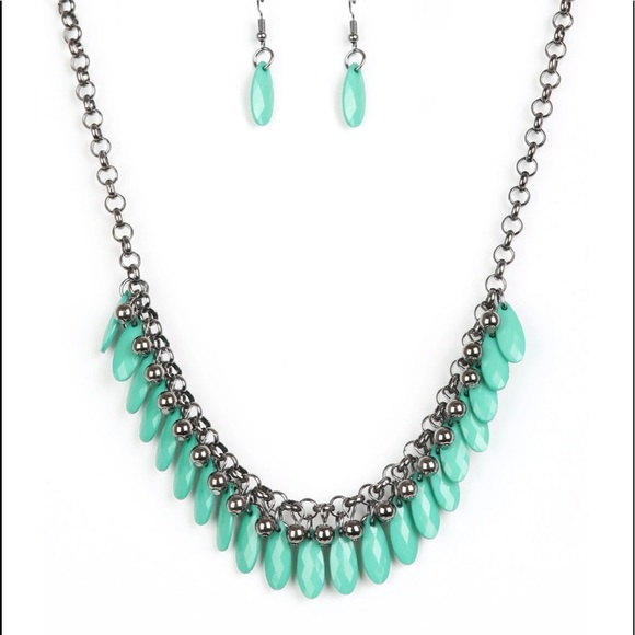 J86 Green Necklace